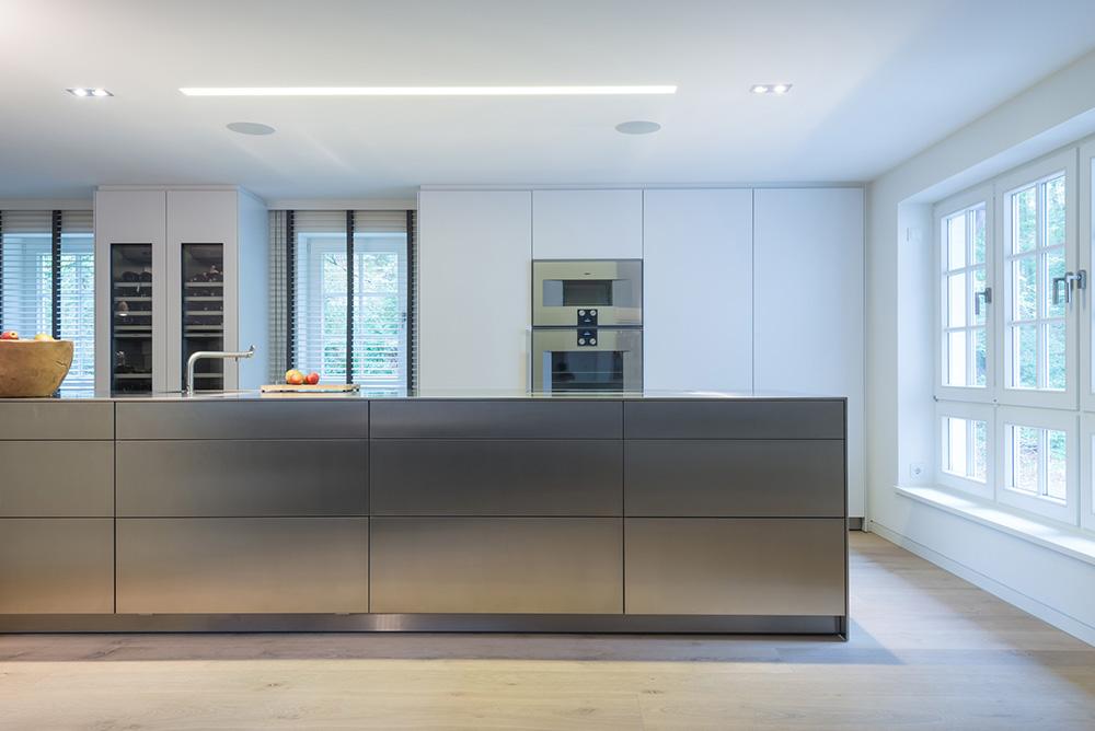 INTACT Küche mit viel Tageslicht
